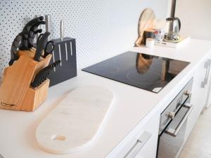 Kitchen before handles were black