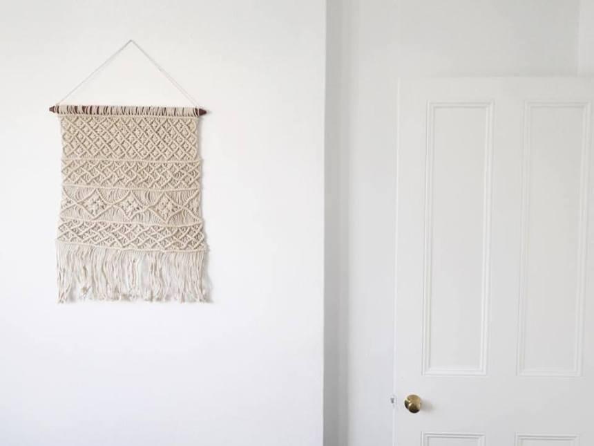 Macrame wall hanger